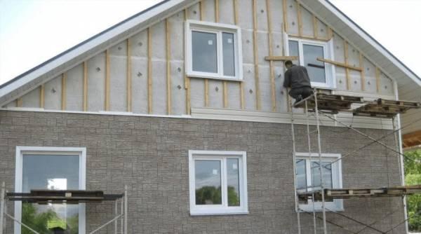 Jak obłożyć dom siding pod belkę