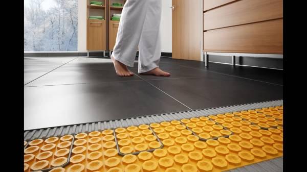 Rodzaje ciepłych podłóg. Ciepła podłoga pod różnymi wykładzinami. Zalecenia